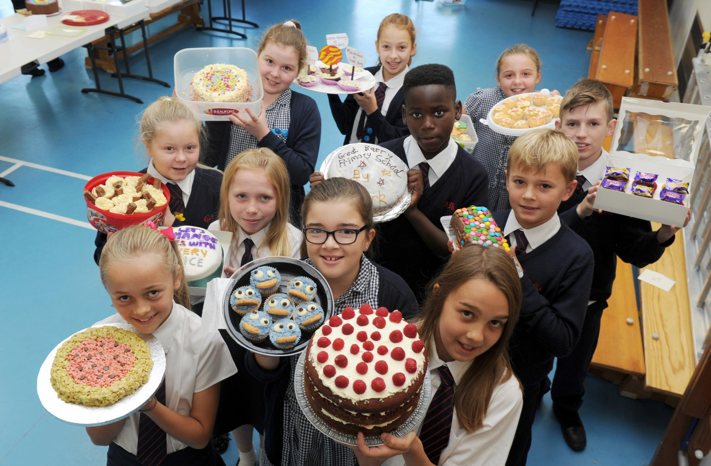 Maldon venues raise hundreds for Macmillan Cancer Trust through charity coffee mornings